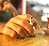 man hand smoking